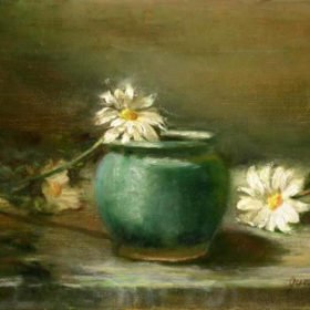 Green pot with Daisies